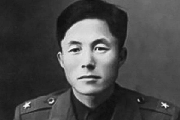 Генерал-лейтенант Чхве Хонхи, основателя тхэквондо